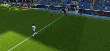 GIF:65分钟,武磊被巴尔加斯换下,观众鼓掌