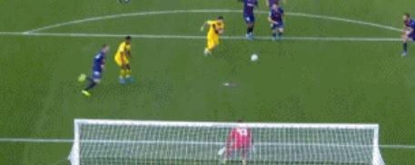 GIF:格列兹曼越位在先,梅西进球无效