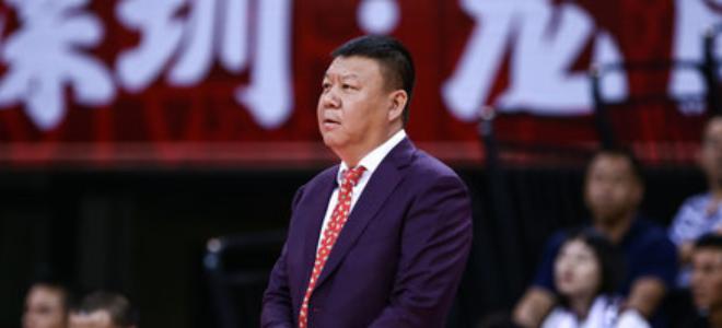王建军批评深圳队员:每个人在场上要知道自己干什么