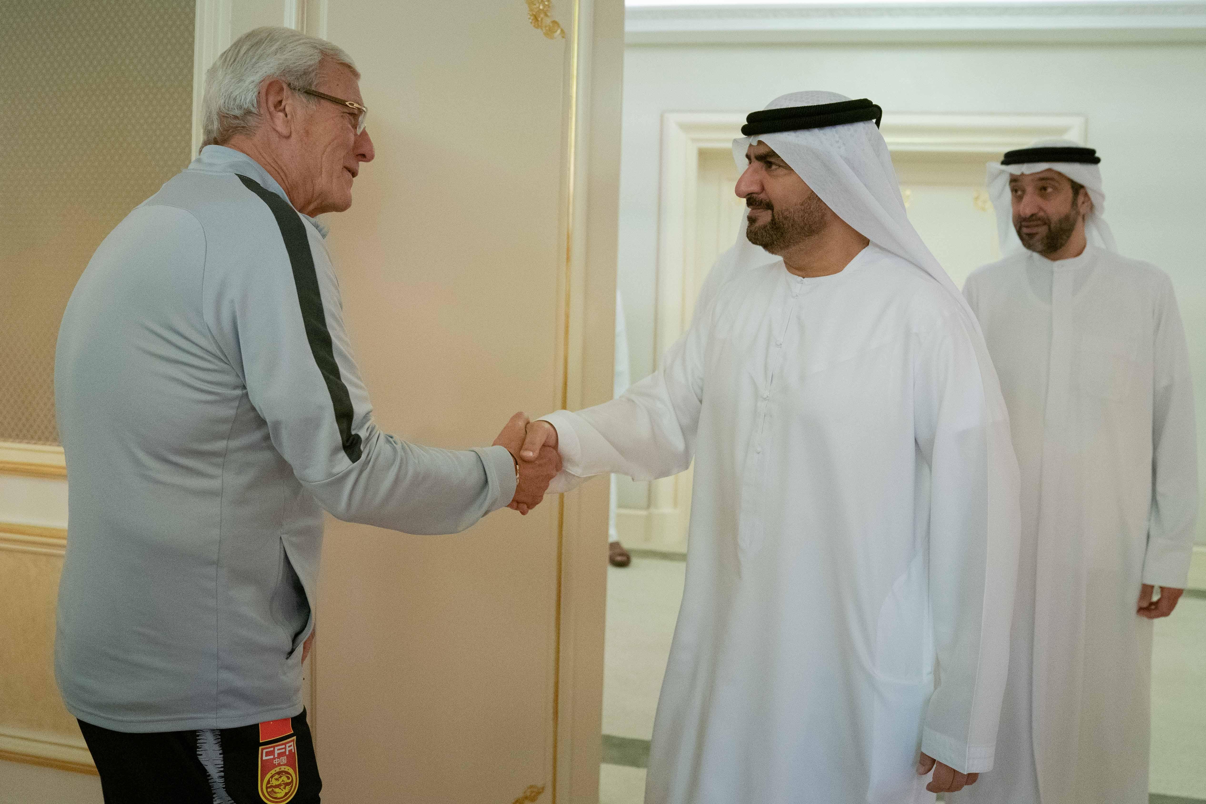 阿联酋媒体:阿联酋沙迦酋长接见里皮教练组一行