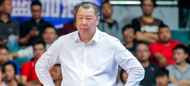 吴庆龙表扬青岛国内球员:有担当,发挥了水平