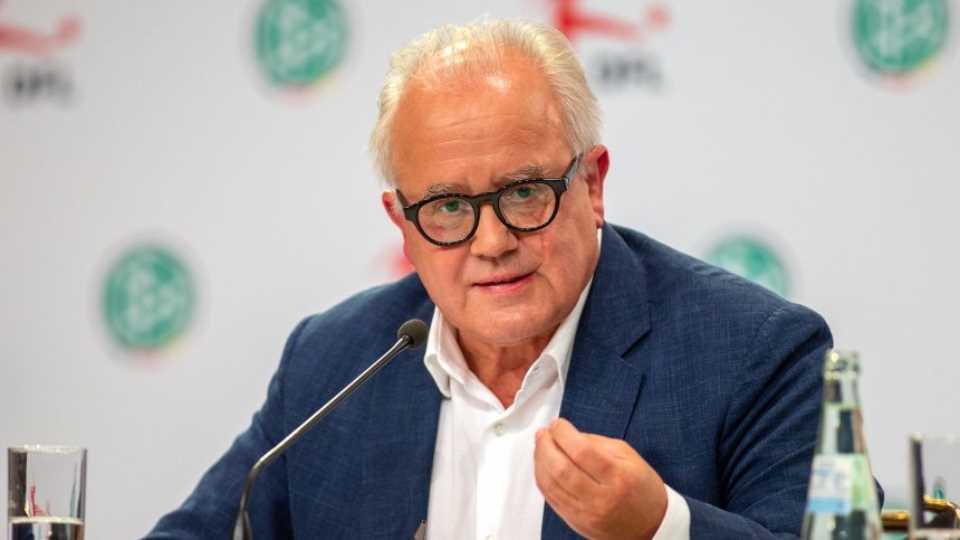 德足协主席:提议拒绝在不让女性入场看球的国家踢比赛