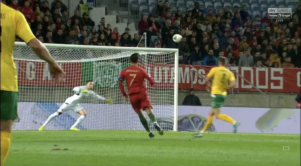 总裁!C罗欧洲杯预选赛梅开二度,国家队进球达97