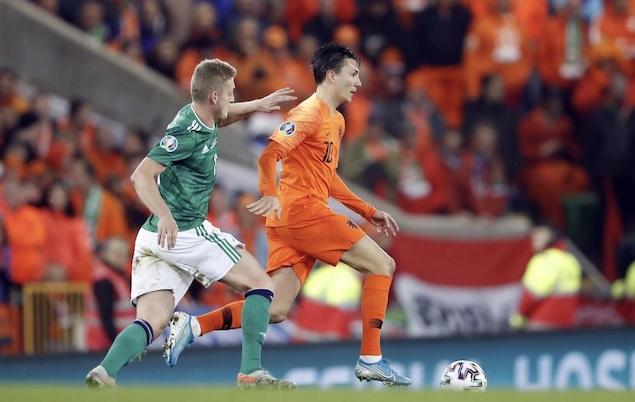 欧预赛:贝尔赫海斯中框,荷兰客场0-0北爱尔兰提前出线
