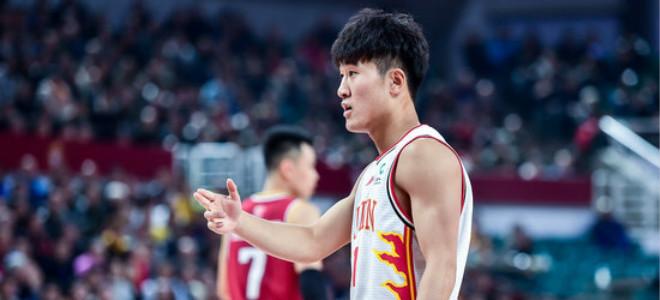 姜伟泽单场8记3分,创生涯得分及3分命中数新高