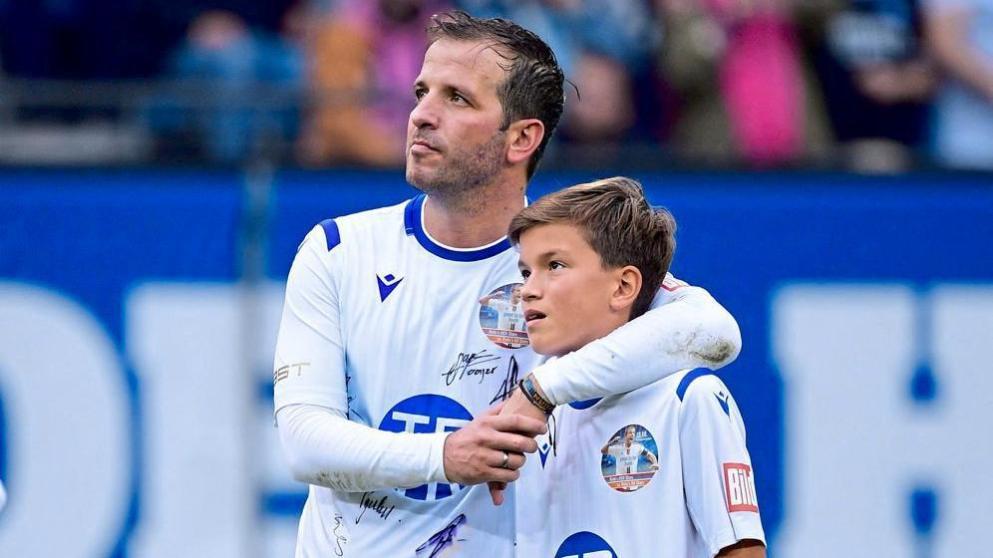 未来可期!图片报:范德法特儿子已入选汉堡青年队