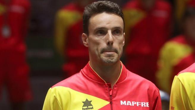 官方:西班牙网球名将包蒂斯塔将在周末为马竞vs黄潜开球