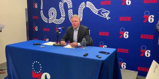 布朗:赛布尔的一些投篮就像是他在联盟已经打了十年那样