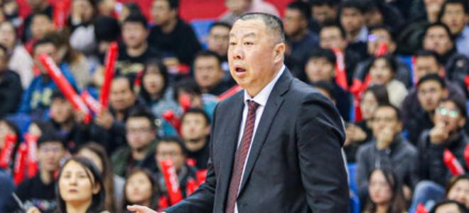 吴庆龙:球队打了一个好开局,下半场队员不够冷静成熟