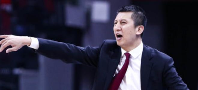 郭士强:篮板球拼抢有进步,不满意年轻球员上场后的表现