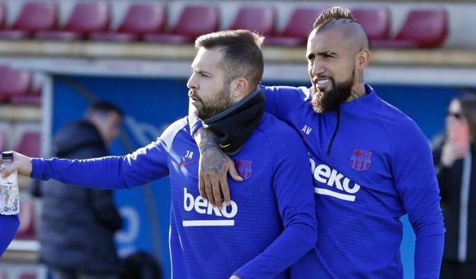 阿尔巴与塞梅多伤愈,阿图尔继续缺席巴萨合练