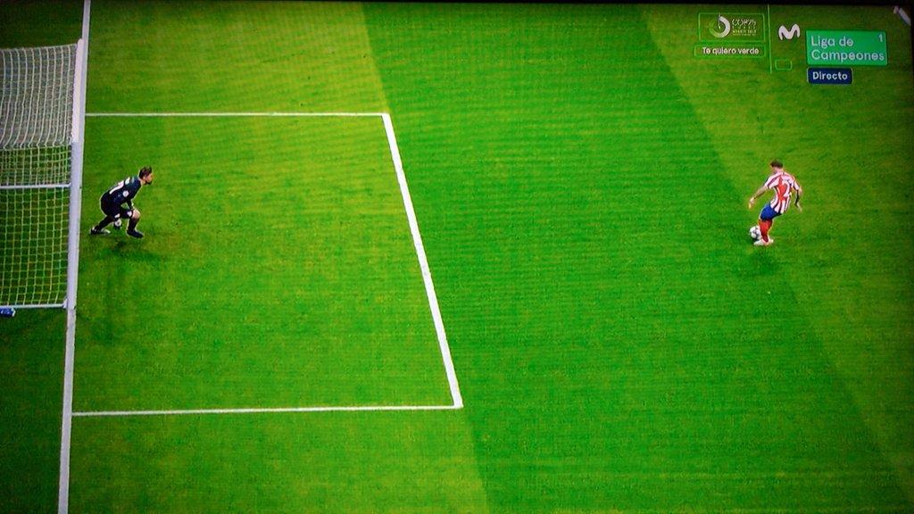 特里皮尔主罚点球时门将提前移动,裁判专家:应该重罚