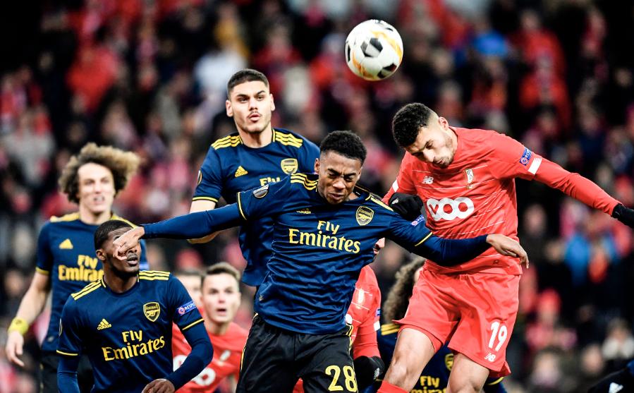 GIF:阿马拉射门再次折射入网,标准列日两球领先阿森纳