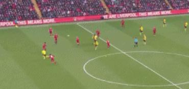 GIF:又一次浪费机会,德乌洛费乌单刀球被阿利松扑出