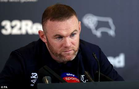 鲁尼:为邓肯-弗格森高兴,他告诉球员足球可以很简单