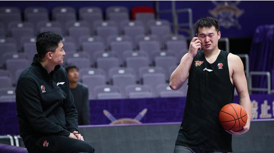 杜锋劝诫年轻人:不要以为自己水平到了,是教练给你机会