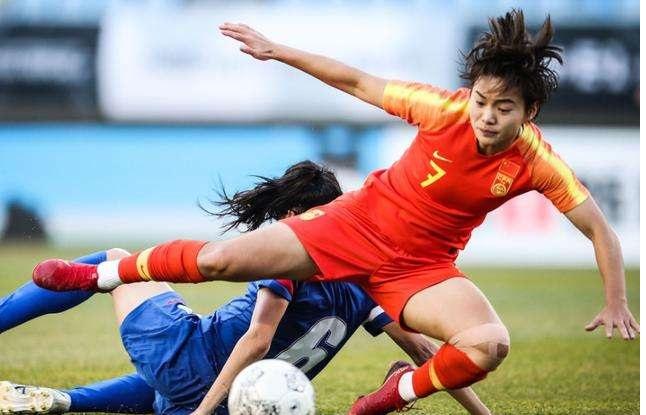 """天津日报:中国女足没有本质改变,比赛踢得""""悲壮而痛苦"""