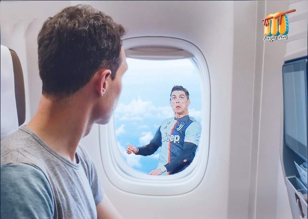 会飞的C罗!球迷P图调侃:飞机窗外看见了谁
