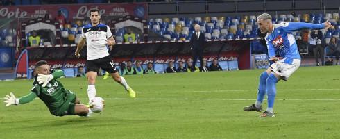 罗马体育报:卡列洪也想要加薪,拒绝与那不勒斯续约