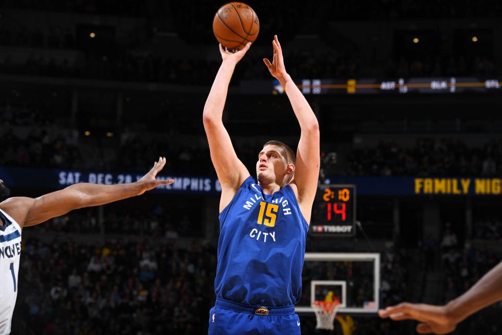 约基奇已经得到22分10篮板10助攻,砍本赛季第5次三双
