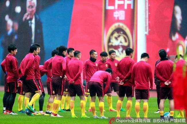 记者:国足集训地点大概率在广州,1月5号集合为期三周