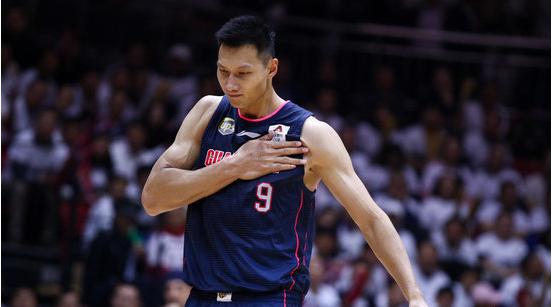 新华社体育部评2019十佳运动员,易建联作为篮坛代表当选