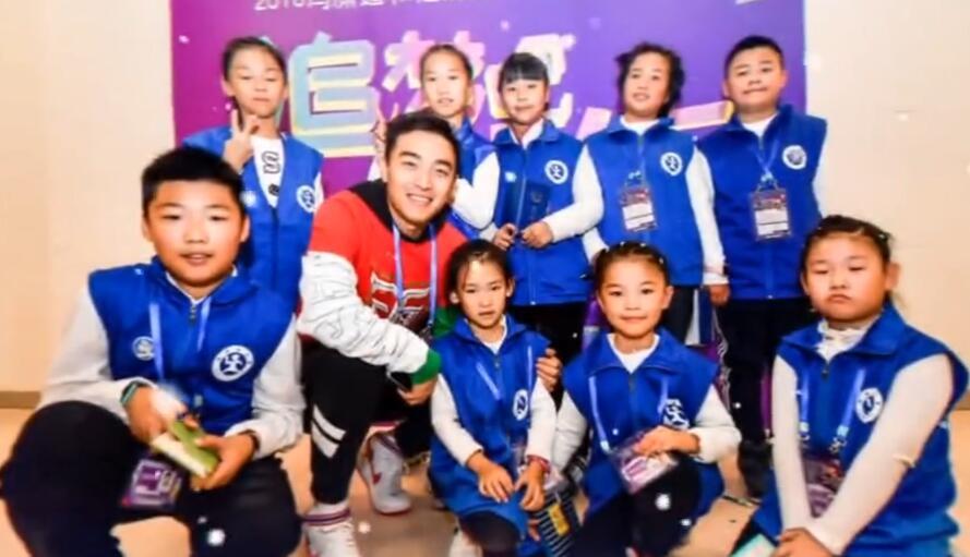 欢庆回归20周年,冯潇霆将在中国澳门举办公益足球赛