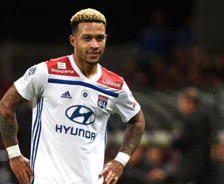 得票数过半!徳佩被球迷选为2019年里昂最佳球员