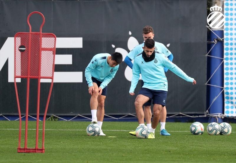 西班牙人新年利好:巴尔加斯和梅伦多复出参加训练