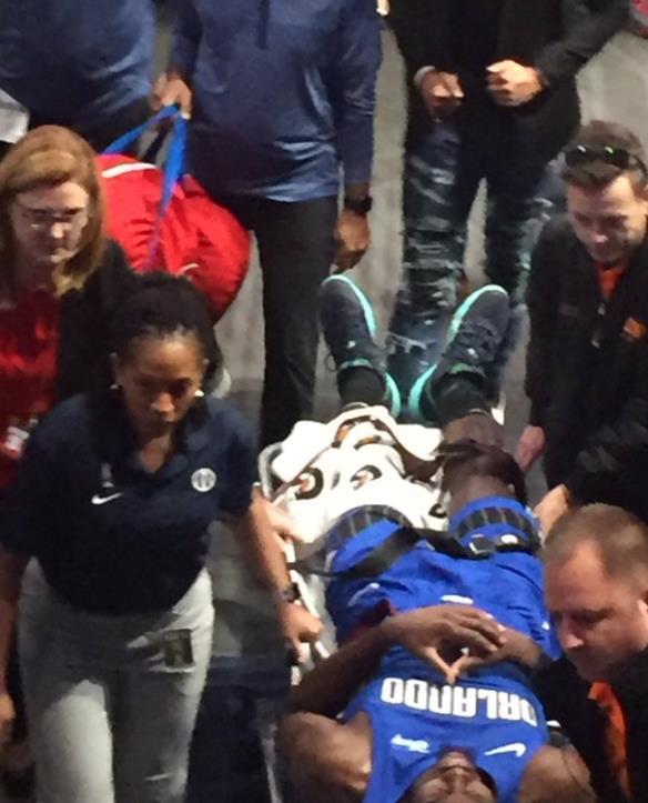 艾萨克:受伤时非常害怕,我很确信膝盖只是过度伸展了