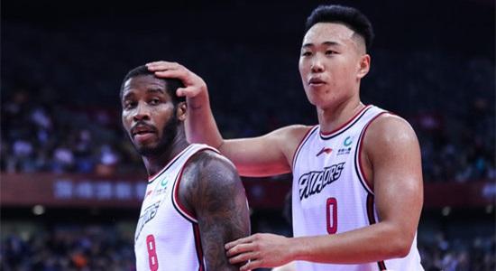 王建军:防守端很坚决,篮板球的控制做得非常好