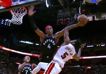 [视频]飞身大帽!琼斯试图攻筐,杰弗森强势封盖