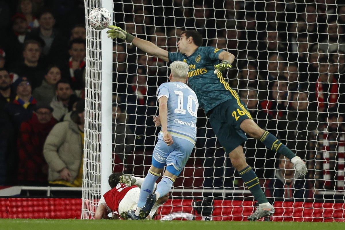 被贝尔萨上课?阿森纳半场被射15脚,和踢利物浦相通众