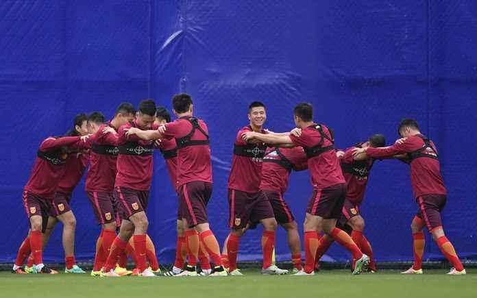 津媒:中国队冬训从体能储备开始,李铁开始改造球队