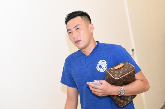 记者:秦升、赵明剑落选一方厦门冬训,新赛季尚不知去向
