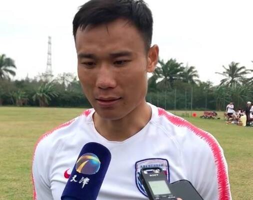 张成林:今天离队前往北京检查伤病,不甘心离开天海
