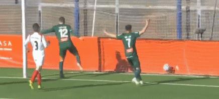GIF:巴尔加斯突分,卡莱里禁区头球破门,西班牙人1-0