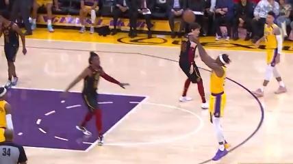 [视频]叫我射手!霍华德手起刀落,命中赛季第3记三分