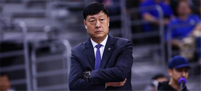 上海官宣:李秋平不再担任一线队教练,马诺斯代为执教