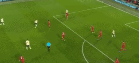GIF:险些破门!万-比萨卡传中,佩雷拉铲射没碰到皮球