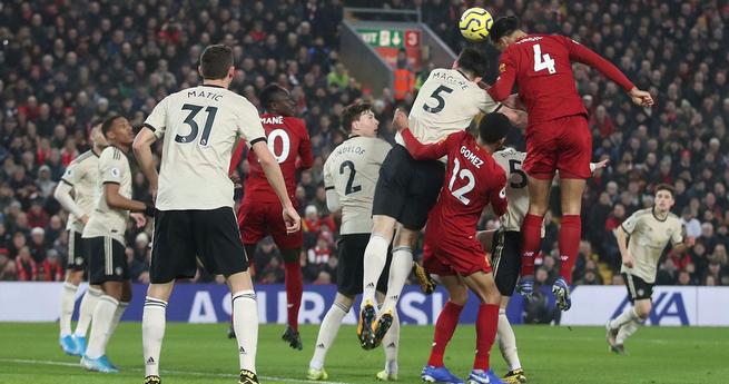 范戴克萨拉赫建功佩雷拉马夏尔失良机,利物浦2-0曼联
