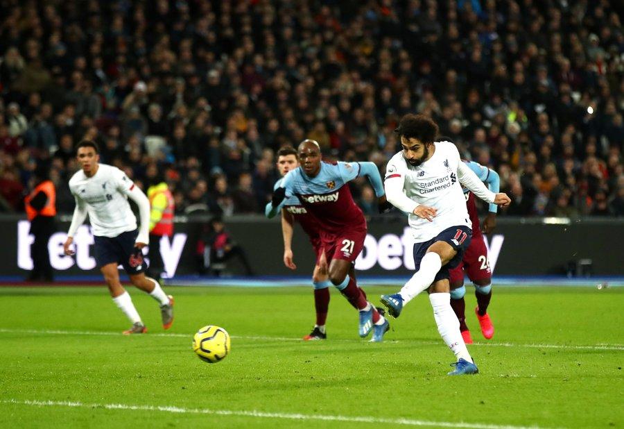 萨拉赫自17-18赛季14次在英超单场贡献传射,冠绝英超