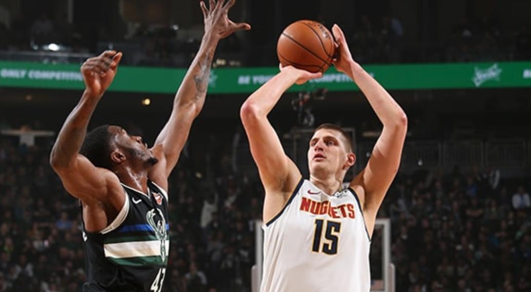 掘金9人得分上双且均至少命中一个三分球,NBA历史纪录