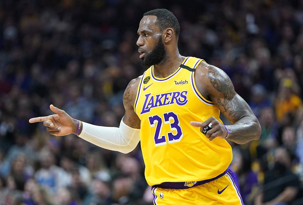 客场龙!湖人西部客场15连胜,创NBA纪录