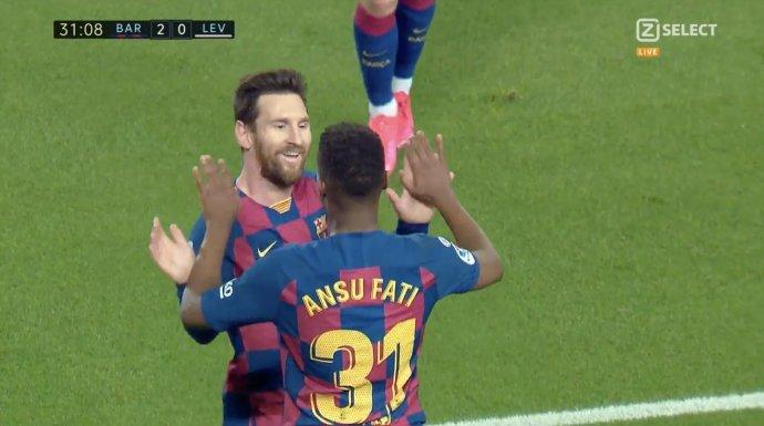 GIF:2分钟2球!法蒂闪电完成梅开二度,梅西两献助攻