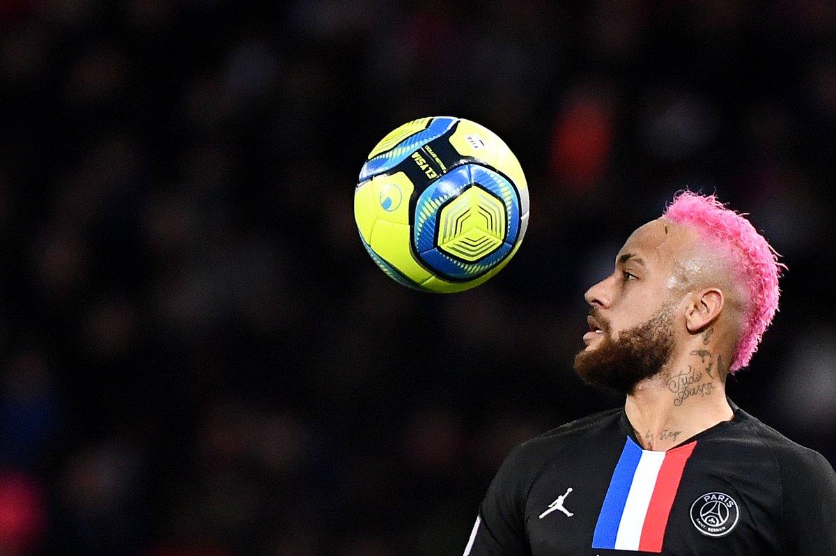 2020年法甲球员盘带次数:内马尔32次独一档,第二档空缺