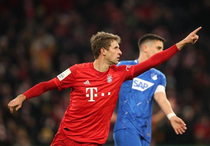 GIF:许布纳阻挡穆勒破门,拜仁慕尼黑扳平比分