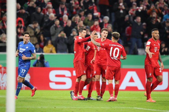 GIF:禁区混战莱万头槌建功,拜仁慕尼黑扩大比分