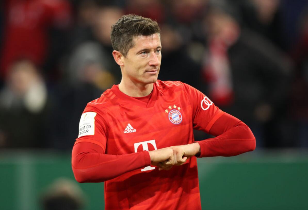[数据板]莱万梅开二度,帮助拜仁晋级获评8.5分