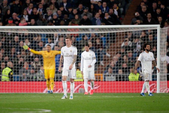 GIF:拉莫斯射门中柱纳乔头球破门,皇马再扳一城